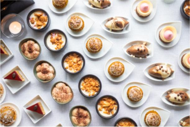 desserten buffet de luxe regio brusselsBye Traiteur AROMATE - Gardens of aromates - salle de fêtes feestzaal le grand salon - le palais de plume - the classic domaine - mariage communion anniversaire.