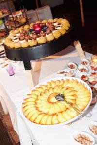 cannelonie van annanas verwerkt in een dessertenbuffet Bye Traiteur AROMATE - Gardens of aromates - salle de fêtes feestzaal le grand salon - le palais de plume - the classic domaine - mariage communion