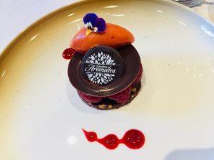 dessert met rode vruchten ijs en sorbet Bye Traiteur AROMATE - Gardens of aromates - salle de fêtes feestzaal le grand salon - le palais de plume - the classic domaine - mariage communion