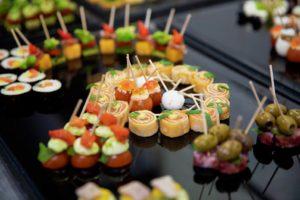 receptie hapjes een selectie Bye Traiteur AROMATE - Gardens of aromates - salle de fêtes feestzaal le grand salon - le palais de plume - the classic domaine - mariage communion